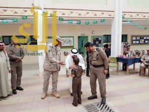 أحد الجنود المرابطين : ما تقوم به مدارس المنطقة من رعاية لأبنائنا يشد من أزرنا