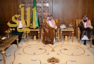 أمير عسير يستقبل عمداء كليات الشريعة بدول  مجلس التعاون الخليجي