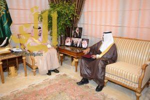 فيصل بن خالد يتسلم تقرير مسار أعمال الاختبارات