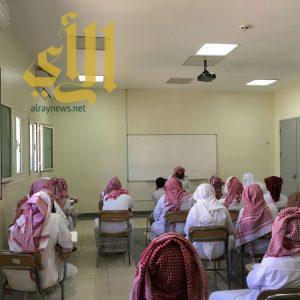 300 نزيلا في سجون منطقة عسير يؤدون الامتحانات للفصل الدراسي الثاني لعام 1437هـ