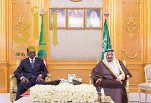 الملك سلمان يستقبل رئيس جمهورية زامبيا ويقيم مأدبة غداء تكريما له