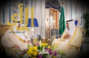 خادم الحرمين الشريفين يتسلم رسالة من ملك مملكة البحرين