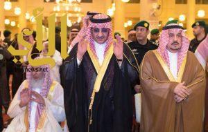 سمو ولي العهد يؤدي صلاة الميت على سمو الأميرة الجوهرة بنت فهد