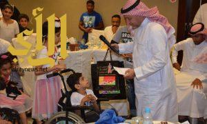 مأدبة إفطار تجمع أطفال مركز الملك عبدالله للمعوقين والإعلاميين بجدة