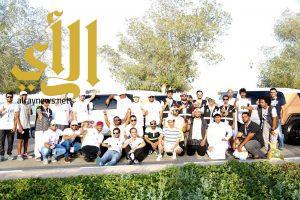 """250 متطوعاً و18 غواصاً في """" اماطة"""" ينظفون كورنيش الدمام"""