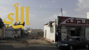 بلدية بلقرن تشرع في فتح طريق السوق بعد نزع الملكيه من الأهالي