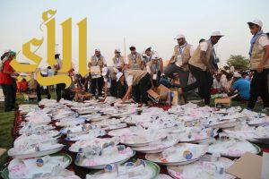"""مبادرة """"متطوعون"""" تواصل تقديم العديد من البرامج لخدمة المجتمع"""