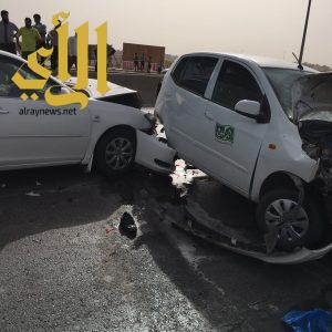 وفاة وثلاث إصابات بحادث مروري على طريق الملك فهد بالرياض