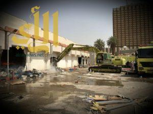 حريق في عدد من المحلات داخل سوق بشارع الوزير وسط الرياض