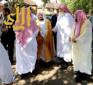 الشيخ السديس يزور مسجد ابن باز في مدينة بانبري البريطانية