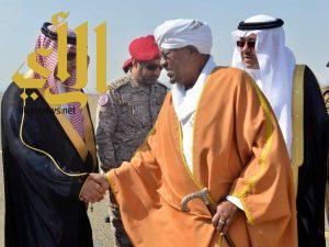 الرئيس السوداني يصل إلى المدينة المنورة