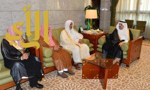 أمير منطقة الرياض يستقبل المهنئين بعيد الفطر المبارك