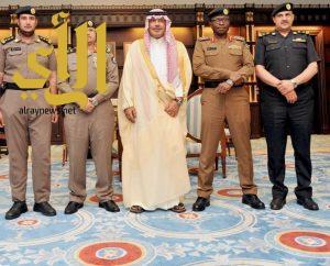 الأمير مشاري بن سعود يتسلم التقرير الأمني لشرطة الباحة