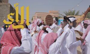 المخيمات في وادي الدواسر تجمع الأهل والأصحاب مع فرحة العيد