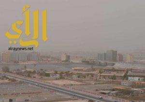 عوالق ترابية على مناطق الرياض والشرقية والمدينة وتبوك