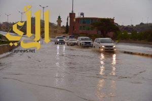 استمرار هطول الأمطار الرعدية من متوسطة إلى غزيرة على 8 مناطق