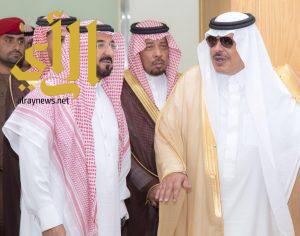 أمير منطقة الباحة يطلع على سير أعمال المركز الشامل بإمارة المنطقة