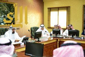 """""""الهبدان"""" يترأس اجتماع لجنة الطوارئ الرئيسية بصحة منطقة عسير"""