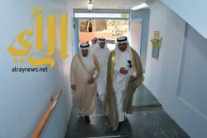 محافظ رجال المع (آل فردان ) يعايد المرضى المنومين بالمستشفى