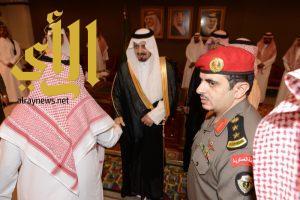أمير عسير يستقبل المهنئين بالعيد من منسوبي الإمارة