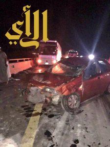 بسبب التجمهر : اصابة ووفاة ٥ اشخاص في حادث مزدوج بطريق الهجرة