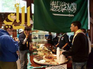 رائحة القهوة والكرم العربي تجذب المشاركين بالجامبوري الاسلامي