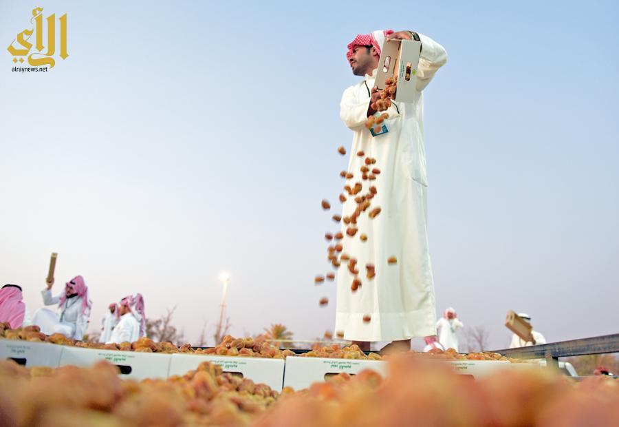 حراك يشهده مهرجان تمور بريدة -(1)-