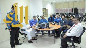 الهلال الأحمر السعودي يدرب 100 من منسوبيه على الأجهزة الطبية
