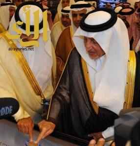 """الأمير خالد الفيصل يضع حجر الأساس لمشروع """"جادة المستقبل"""" بسوق عكاظ"""