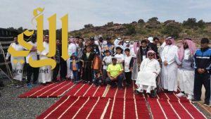 130 متطوع يطلقون حملة ضخمة لتنظيف منتزهات السودة