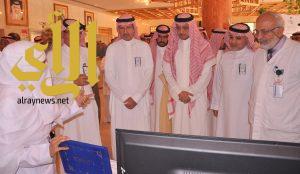 محافظ بيشة يدشن حملة التبرع بالدم بمستشفى الملك عبدالله