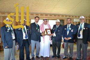 رواد الكشافة الخليجية يلتقون بمحافظ محافظة الطائف