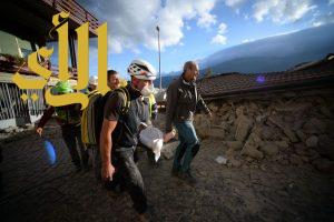 مصرع خمسة أشخاص جراء الزلزال في إيطاليا