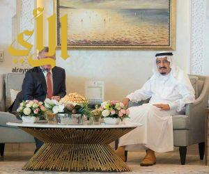 خادم الحرمين يستقبل ملك الأردن في طنجة