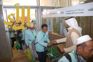 توزيع 1.4 مليون مصحف هدية الملك لضيوف الرحمن لدى مغادرتهم المملكة