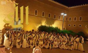 """برنامج """"عيش السعودية"""" ينظم رحلة لـ 85 طالباً من الأحساء إلى الرياض"""