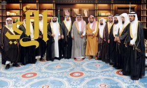 أمير الباحة يتسلم التقرير السنوي للجنة إصلاح ذات البين بالمنطقة