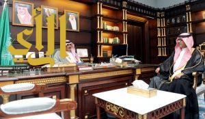 أمير الباحة يستقبل مدير فرع هيئة الرقابة والتحقيق بالمنطقة