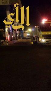 مدني عسير يباشر بلاغ حريق بمحطة وقود على طريق أبها الخميس