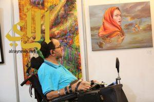 فنانين ذوي الاحتياجات الخاصة يبهرون زوار ملتقى الفن التشكيلي بالدمام
