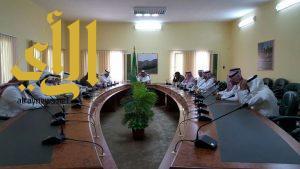 محافظ القرى يرأس اجتماع تنظيم الاحتفاء باليوم الوطني الـ86