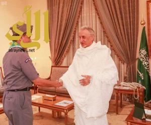 الأمير خالد الفيصل يستقبل الكشافة ويُشيد بأعمالهم في خدمة الحجاج