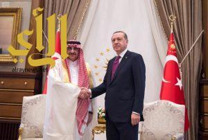 أردوغان يستقبل سمو ولي العهد ويعقد معه اجتماعاً