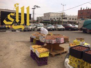 خيمة سوق التمور بالعلايه عشوائيه ومطالبات بالتنظيم