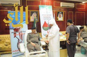 """"""" البيالي"""" يدشن حملة التبرع بالدم بمقر مديرية شرطة منطقة الجوف"""