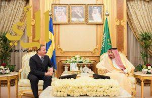 الملك سلمان يستقبل رئيس وزراء مملكة السويد ويعقدان جلسة مباحثات