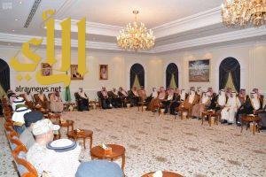 أمير عسير يلتقي مديري الإدارات الحكومية