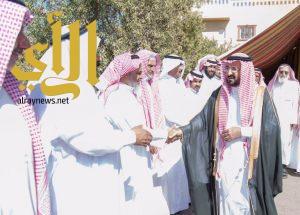 وكيل إمارة الباحة يقدم العزاء لأبناء الشاعر محمد بن مصلح