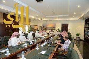 أمانة الشرقية تعقد اجتماعاً مع النقل والمياه لمناقشة أعمال تصريف مياه الامطار