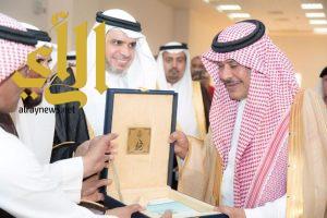 أمير الباحة يُدشن مشروع إنشاء مباني كليات البنات العاجلة بجامعة الباحة